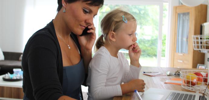 Angela Schindler mit ihrer Tochter