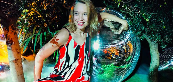 Linda Broschkowski post mit Discokugel
